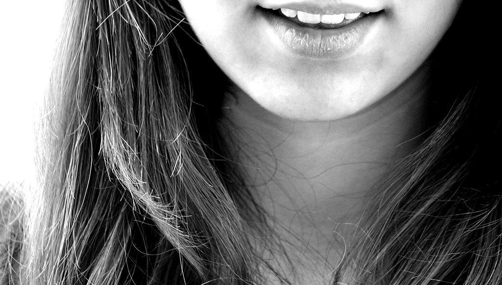 ¿Por qué se mueven mis dientes? Motivos