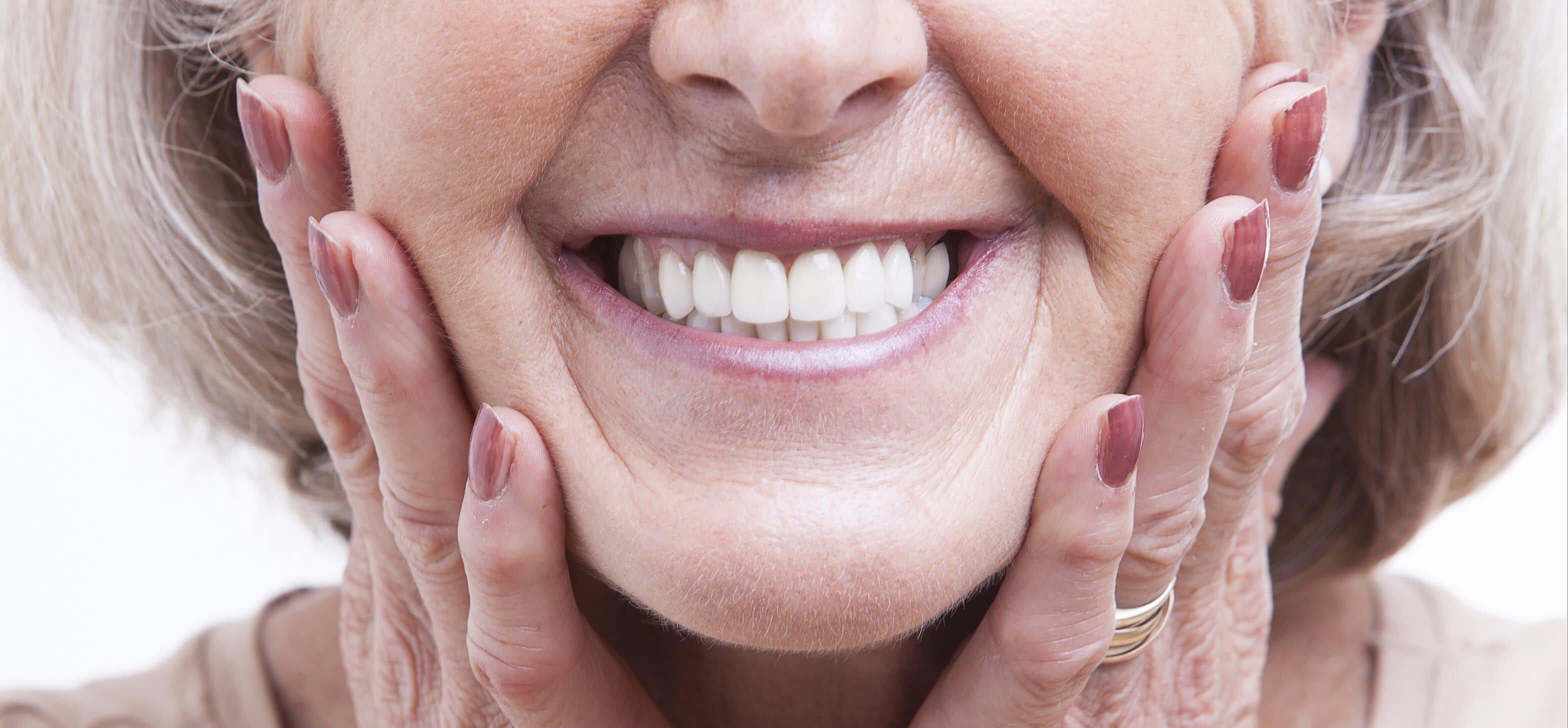 implantes dentales cuidados y éxito